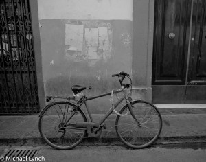 Solo bicycle on Firenze streets