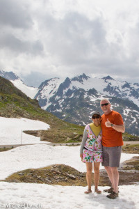 Suddenly underdressed in the Swiss Alps